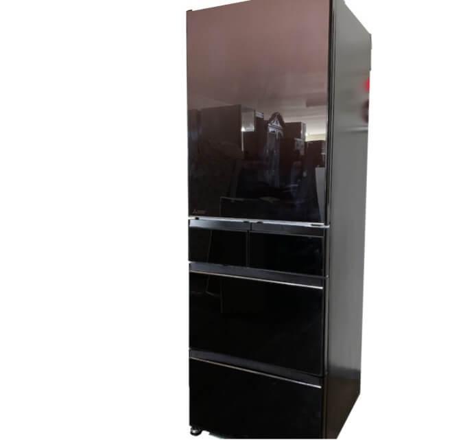 年式の新しい冷蔵庫は、遺品整理想いてで高価買取いたします
